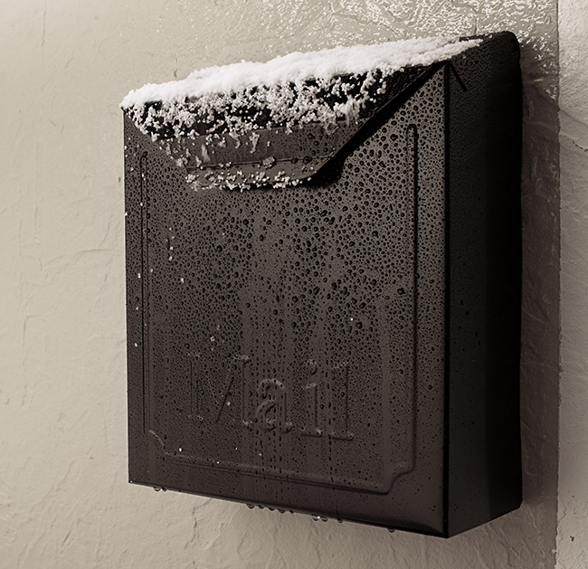 21915 414 Mailbox Snowy App RGB