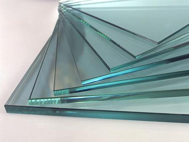 Как склеить стекло со стеклом